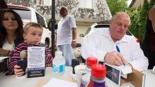Hundreds line up in Etobicoke to buy new Rob Ford bobblehead  (CTV News 01 September 2014)