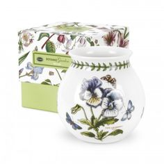 Complete your Botanic Garden collection with a Portmeirion Botanic Garden Bud Vase