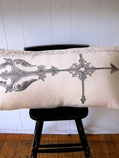 Pretty Vintage Pillows - The Graphics Fairy