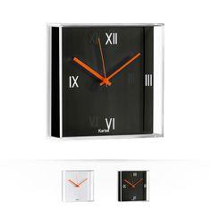 TicTac    Reloj de pared con caja cuadrada transparente, disponible en tres versiones, con esfera blanca, negra o cromada.
