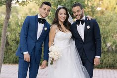 With his sister Yasmine and twin brother Sami at her wedding. Sami Malek, Rami Said Malek, Queen Movie, Mr Robot, Somebody To Love, Queen Freddie Mercury, Cute Eyes, Falling In Love With Him, Poses
