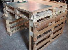 Table de travail en palette (pas à pas) Palette, Dining Table, Home And Garden, Furniture, Instructions, Bosch, Pallet Ideas, Design, Home Decor