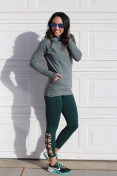 Busy weeks call for multiple outfits in one day. Luckily I found these high waisted leggings that are not only comfortable but don't budge at all in workouts! I did about 300 double unders in them and didn't have to pull them up even once!!  Grab outfit details including this super soft pullover by signing up for @liketoknow.it then like this pic to get details sent to your inbox! http://liketk.it/2pzAb #liketkit