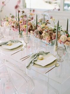 Elegant Cherry Blossom Wedding Ideas | Photography by Dinner Party Table, Party Tables, Wedding Table Place Settings, Spring Wedding Centerpieces, Cherry Blossom Wedding, Creative Cakes, Event Design, Elegant Wedding, Pastel Weddings