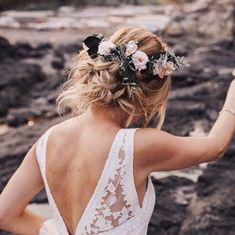 HAIR // FLOWERS // WEDDING