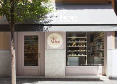 Alice Cake Shop | Barcelona Fabulous color scheme~!