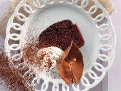 Amarula-sjokoladestroop-koek. Marianna Bruins-Lich van Hartenbos het hierdie resep met ons gedeel.