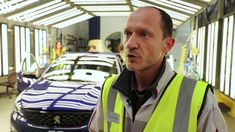 Painting Coupe Franche Peugeot behind the scenes of the PSA personalizat...