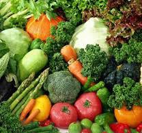 Tim Noakes List of Green Foods that are Banting approved - Generally you can eat as much as you like from the foods on Noakes'green list but it is recommened that you do not overeat protein. All green leafy vegetables are Banting approved #timnoakesgreenlist #noakesgreenlistoffoods