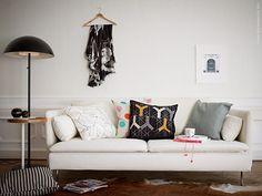 I valet av soffa är det många frågor man behöver besvara. Hur många är vi i familjen? Vad vill vi göra i soffan? Kollar vi mest på film, eller vill svärmor ofta sova över? Soffserien SÖDERHAMN kan kombineras efter dina egna idéer och behov.