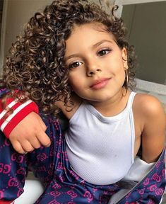 Kids Curly Hairstyles, Wavy Haircuts, Baby Girl Fashion, Kids Fashion, Kids Fever, Ariana Grande Pictures, Family Affair, Looking Gorgeous, Baby Pictures