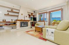 Ref. 37724  #immobilien #realestate #luxury #luxus #calvia #bendinat #seaview #Meerblick  216m2 approx., large living-dining room with fireplace, fully equipped kitchen with dining, 5 double bedrooms, dressing, wardrobes, 2 bathrooms (1 en suite), toilet, A/C cold/warm, double glazing, terrace, porch, garden, swimming pool, BBQ, 5 parking spaces.      M2 Built Area: 216 m²     M2 Plot: 1005 m²     Terraces: Yes     Garden: Yes     Bedrooms: 5     Swimming pool: Private     Views: On the sea