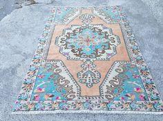 Vintage Oushak Rug Turkish Handwoven Pale Color Rug Carpet