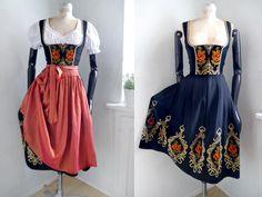 Ein persönlicher Favorit aus meinem Etsy-Shop https://www.etsy.com/de/listing/401089639/dirndl-dress-3-pieces-with-cropped