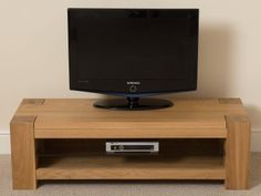 Kuba Solid Oak Widescreen TV Unit [Small] Ideal for large widescreen TVs or smaller sets, the Kuba Solid Oak Widescreen TV unit is not only stylish but functional too. Media Unit, Tv Unit, Tv Display Unit, Tv Rack, Dresser Storage, Solid Oak, Tvs, Modern, Stylish