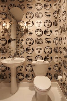 "18 Chic Interior Designs Inspired by Pop Art, this one pictured would creep me out or maybe cause ""shy bladder"" lol"
