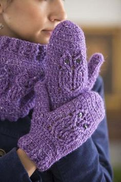 You can create owls with crochet cables! Owl Crochet Mittens