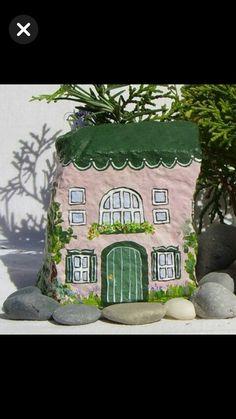 Pebble Painting, Pebble Art, Stone Painting, Rock Painting Ideas Easy, Rock Painting Designs, Stone Crafts, Rock Crafts, Posca Art, Rock And Pebbles