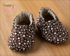 Vintage Brown Flowers Eco Friendly Baby Booties, Crib Shoes, Soft Sole, Eco Friendly, Fashions for Baby