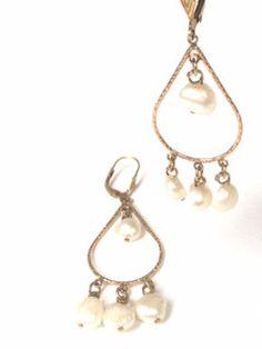 Chandelier Earring Gold White Pearl van MaartjeJewels op Etsy