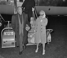 Marilyn and Joe DiMaggio return to New York from Florida, 1961.