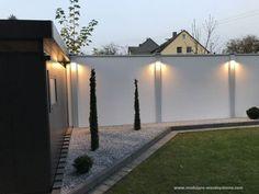 Small Backyard Landscaping Ideas on A Budget (Beautiful Layout) Side Yard Landscaping, Backyard Fences, Modern Landscaping, Rooftop Design, Patio Design, Garden Design, Front Garden Landscape, Terrace Garden, Front Wall Design