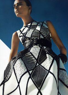 Sigrid Agren in Oscar de la Renta   Ph: Tom Munro   Harper's Bazaar 03/09