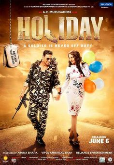 First look : Sonakshi Sinha is sensuous, Akshay Kumar on duty for 'Holiday'