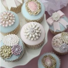 Gorgeous cupcakes... Just a thought cuz WOW so nice