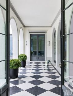architectural digest We dont see it often these days, but we its coming back into popularity in new ways. Exterior Design, Interior And Exterior, Checkered Floors, Bright Rooms, Black And White Marble, Architectural Digest, Architecture, My Dream Home, Custom Homes