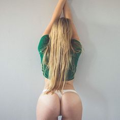 St Patys and Tushy Tuesdays! Enjoy this beauty stretching out. #nyc #lifestyle #model #love #allamericangirl #njmodel #pamodel #boudoir #portrait #bumday #bedroom #intimates #fun #undies #casual  (at New York, New York)