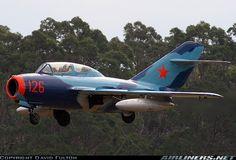 PZL-Mielec SBLim-2 (MiG-15UTI) aircraft picture