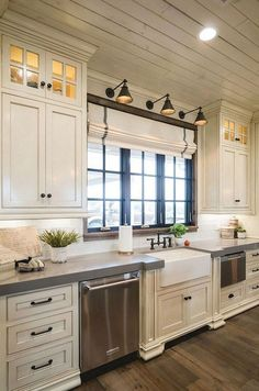 25 Antique White Kitchen Cabinets Ideas That Blow Your Mind   Small ...