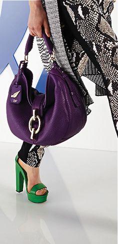 DVF, resort 2014 love this color! Luxury Handbags, Fashion Handbags, Purses And Handbags, Fashion Bags, Purple Accessories, Handbag Accessories, Purple Bags, Purple Purse, Fab Bag
