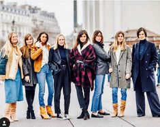 Saturday with all my team ! Emmanuelle Alt, Fast Fashion, Womens Fashion, Editor Of Vogue, Slouchy Boots, French Chic, French Style, Belted Coat, Fall Winter Outfits