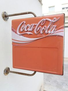 65  Carteles: Gran cartel antiguo luminoso 59X60 cm publicidad cocacola de plastico duro y metal años 60 - Foto 2 - 99313598 Coca Cola, Retro Vintage, Neon Signs, Home, Vintage Posters, Advertising, Objects, Cola
