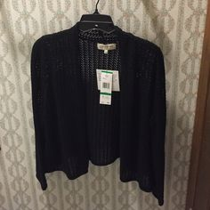NWT JONES NEW YORK black shrug FINAL PRICE NWT JONES NEW YORK black shrug ‼️‼️ retails $69. Size LARGE. 100% cotton ✨ Jones New York Sweaters Cardigans