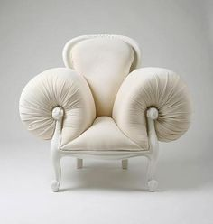 Sculptor from South Korea Lila Jang has created stunningly creative and surreal versions of 18th-century French furniture...