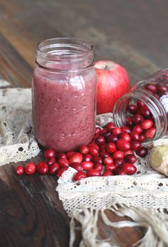 Thanksgiving Detox Smoothie Ingredients 1/2 cup cranberries 1 apple, peeled and diced 1/2 a banana  1 tbsp diced ginger root 1 handful spinach 1/2 cup water  1 cup ice Source: Thanksgiving Detox Smoothie | Free People Blog http://blog.freepeople.com/2013/11/thanksgiving-detox-smoothie/#ixzz2lmOPP9x9
