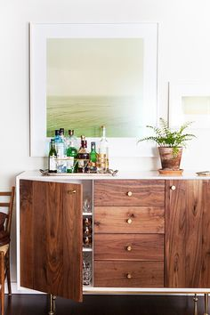 The Beginner's Guide to Setting Up a Bar at Home via @MyDomaine