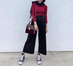 Fashion Hijab Casual Dresses Ideas Source by hijab Hijab Casual, Hijab Style, Hijab Chic, Modern Hijab Fashion, Hijab Fashion Inspiration, Muslim Fashion, Korean Fashion, Modest Dresses, Modest Outfits