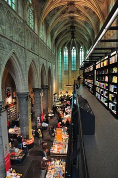 For a moment I thought we were in the Grand Hall at Hogwarts. Selexyz bookstore Maastricht, Holland