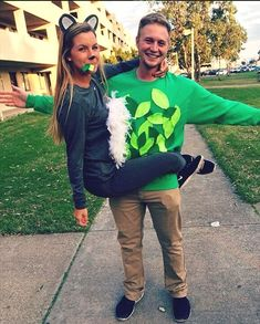 Hallowen Costume Couples Koala and tree Halloween costume! Tree Halloween Costume, Halloween Mono, Easy Couple Halloween Costumes, Tree Costume, Cute Costumes, Halloween Outfits, Halloween Diy, Costume Ideas, Halloween Couples