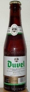 Cerveja Duvel Groen, estilo Belgian Golden Strong Ale, produzida por Brouwerij Moortgat, Bélgica. 7.5% ABV de álcool.