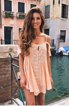 - Street Fashion, Casual Style, Latest Fashion Trends - Street Style and Casual Fashion Trends Mode Boho, Mode Chic, Teen Fashion, Womens Fashion, Fashion Trends, Style Fashion, Fashion Inspiration, Life Inspiration, Looks Style