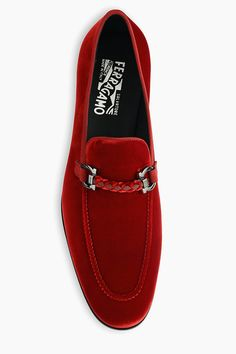 Give your look that perfect final touch with these red velvet Ferragamo loafers Suede Loafers, Suede Shoes, Loafers Men, Leather Shoes, Zara Shoes, Sneakers Fashion, Fashion Shoes, Mens Fashion, Mens Shoes Boots