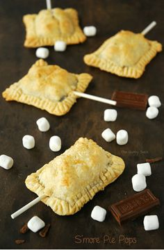 Smore Pie Pops Recipe from @The Gunny Sack