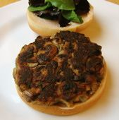 Looking for homemade veggie burgers? Here are our most popular veggie burger recipes, according to readers. Mushroom Veggie Burger, Homemade Veggie Burgers, Best Veggie Burger, Meatless Burgers, Vegan Burgers, Burger Toppings, Burger Recipes, Vegetarian Recipes, Going Vegetarian