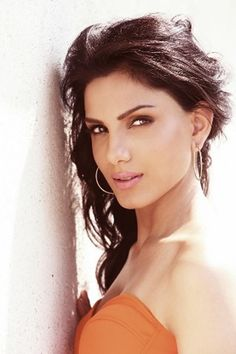 With new actors joining every day, here are a few Punjabi actresses we would love to watch opposite our Bollywood actors. A look. Punjabi Actress, Hot Halloween Costumes, Montessori Practical Life, New Actors, Wedding Stage Decorations, Pavilion Architecture, Photography Poses Women, Batman The Animated Series, Hits Movie