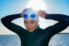 Snake & Pig - The best goggles for swimming before work. Wondering how to get rid of goggle marks? Our unique air cushion gasket requires less suction, leaves less of a mark. Swimming Body, Swimming Gear, Open Water Swimming, Triathlon Swimming, Swim Caps, Closer, Bathing, Perfect Fit, Wonderland